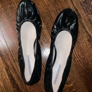 Vera Wang Lavender patent leather flats size 11